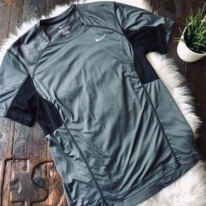 NIKE DRI-FIT Short Sleeve Athletic Shirt MEDIUM